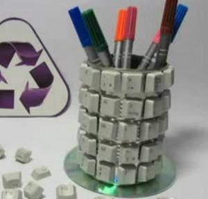 Porta lapices reciclado con teclas